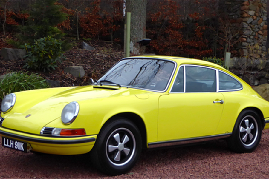 1972 Porsche 911T 2.4 RHD sold for £93,375 at Race Retro