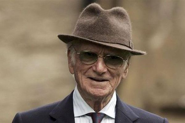 Racehorse Sanctuary gains support of Sir Peter O'Sullevan Trust