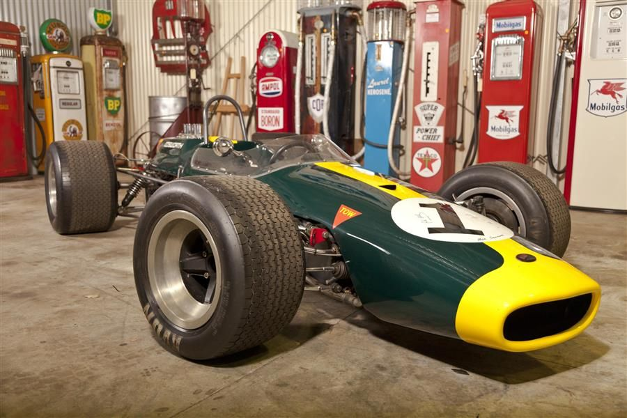 Lloyds Auctions Australia offers 'The King's Garage' collection