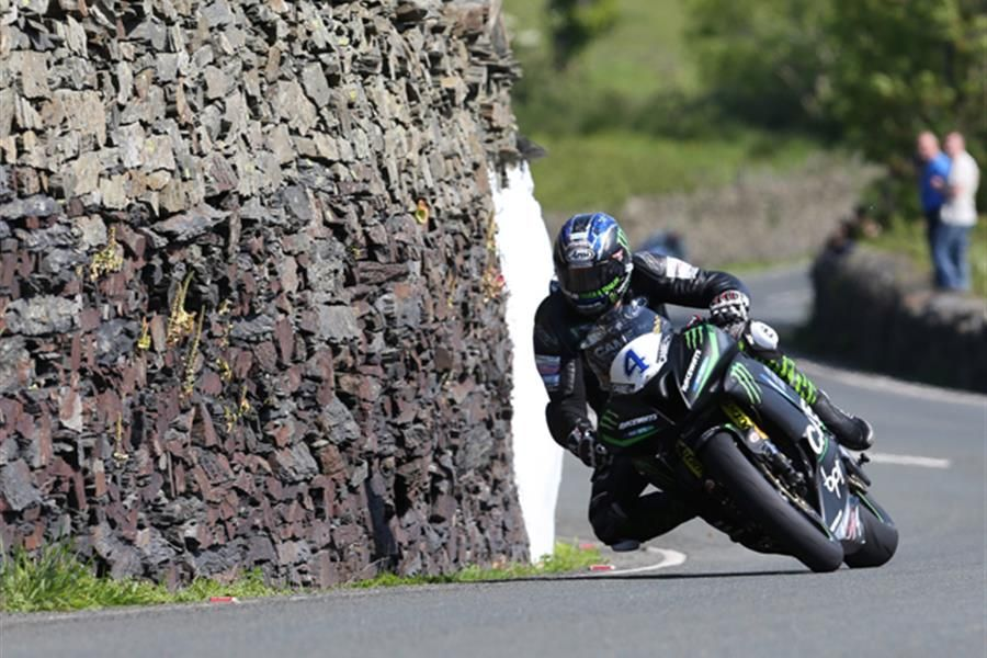 Hutchinson starts favourite for Monster Energy Supersport TT Race