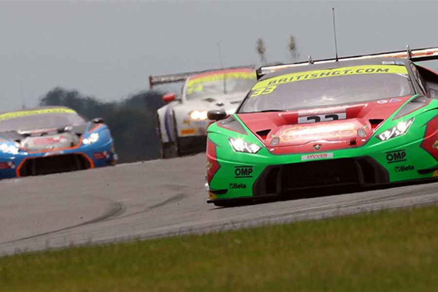 Minshaw,Keen and Tregurtha,Middleton prevail in Snetterton GT thriller