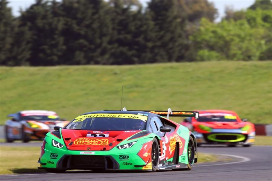 Third victory in British GT for the Lamborghini Huracan GT3