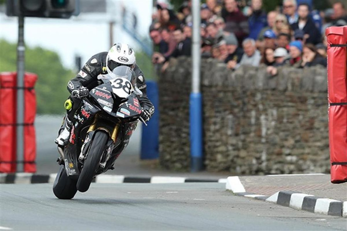 Herbertson joins Dunlop and Oversby for Classic TT races