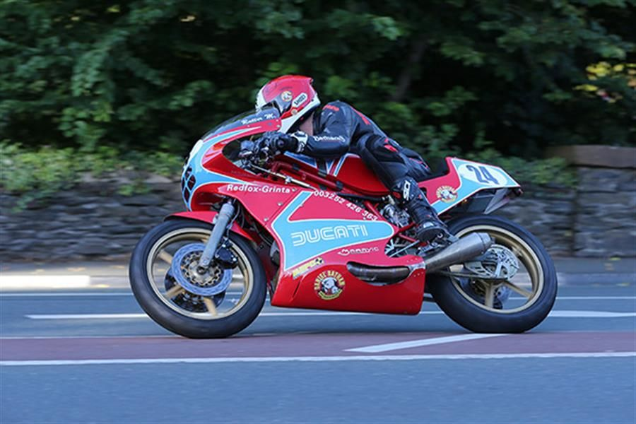 TT star Michael Rutter rejoins Red Fox Grinta Ducati for Classic TT