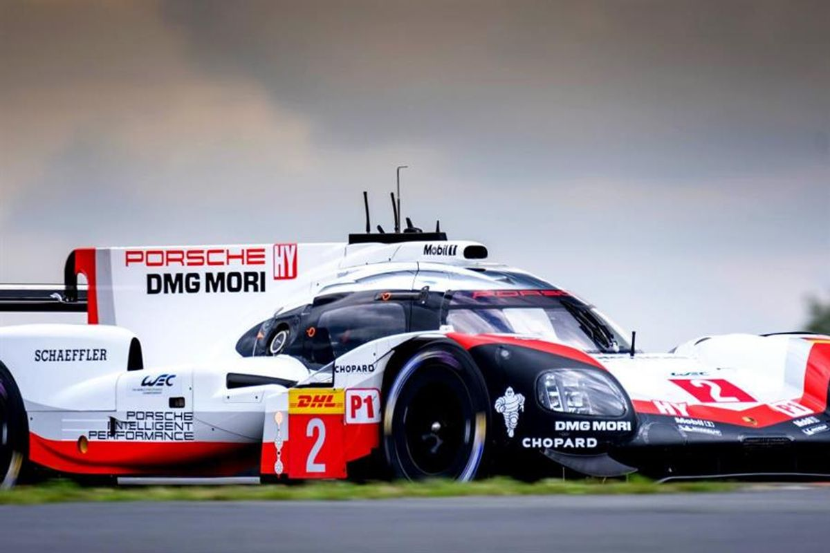 Porsche 1,2, in second 6 Hours of Nurburgring WEC FP
