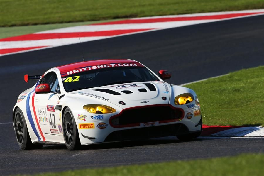 Bentley best at Brands Hatch in Pirelli-equipped British GT