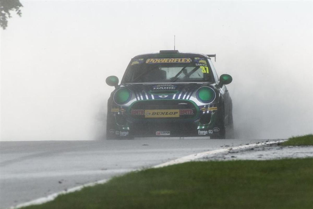 Second Mini Challenge win of the season for Rob Smith