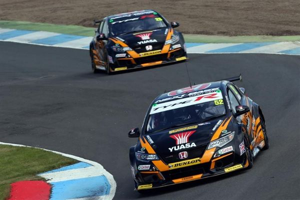 Halfords Yuasa Racing's Gordon Shedden and Matt Neal ready to up the ante