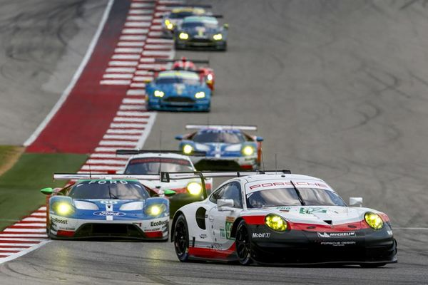 Second place for the Porsche 911 RSR at sweltering Texas race
