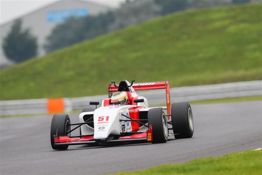 F4 racer Alex Quinn steps up to F3 with Lanan Racing for Donington finale