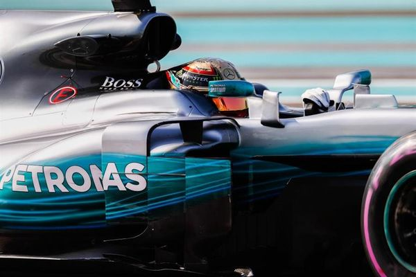 Hamilton quickest in Abu Dhabi FP2