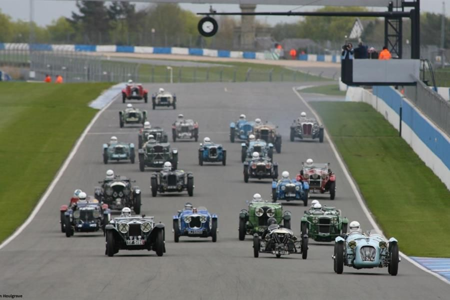 The Vintage Sports-Car Club returns to Donington Park