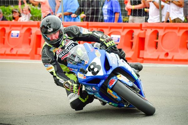 Scott Moir and Suzuki GSX-R1000 win New Zealand Suzuki Tri-Series