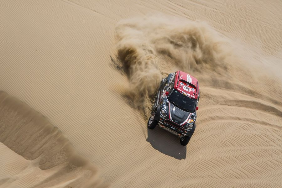Dakar Rally: Extreme dunes and soft sand prove troublesome for Stage 2 competitors