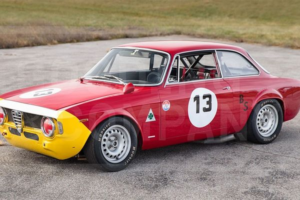 Actively campaigned 1965 Alfa Romeo Giulia Sprint GTA at Scottsdale Auction