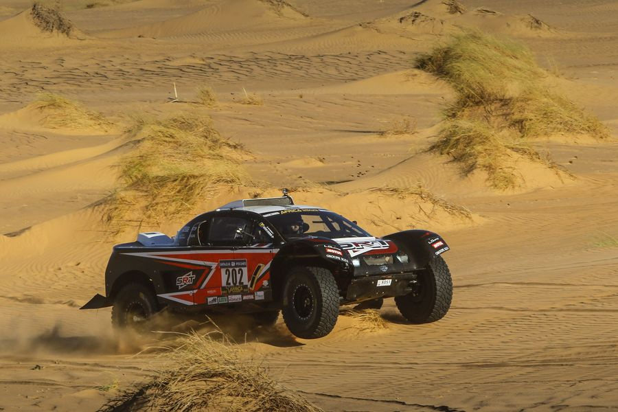 Africa Eco Race - A stage full of suspense and surprises in the dunes of Mauritania