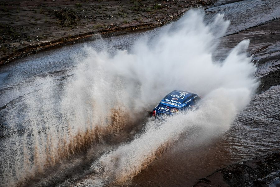 Dakar Stage 12 ends with three MINI crews in the top ten