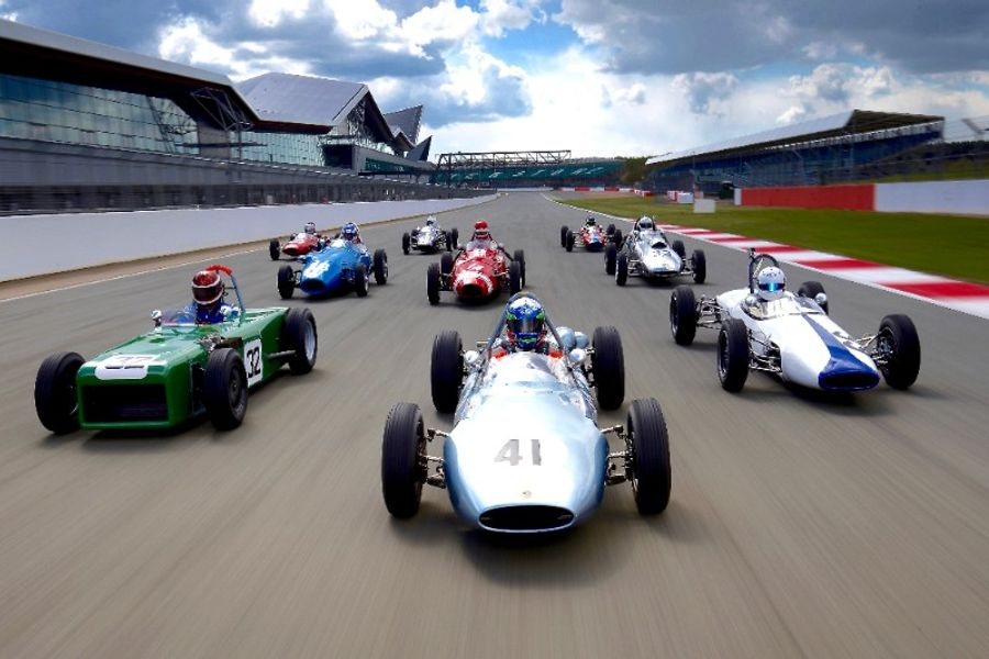 Legendary F1 world champions honoured at Silverstone Classic