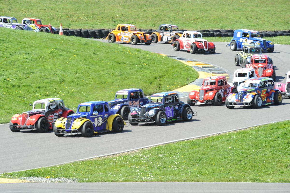 Bumper grid for 2018 Legends Cars season