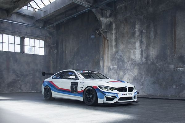 Endurance Racer Owens Makes VLN Return With New BMW M4 GT4