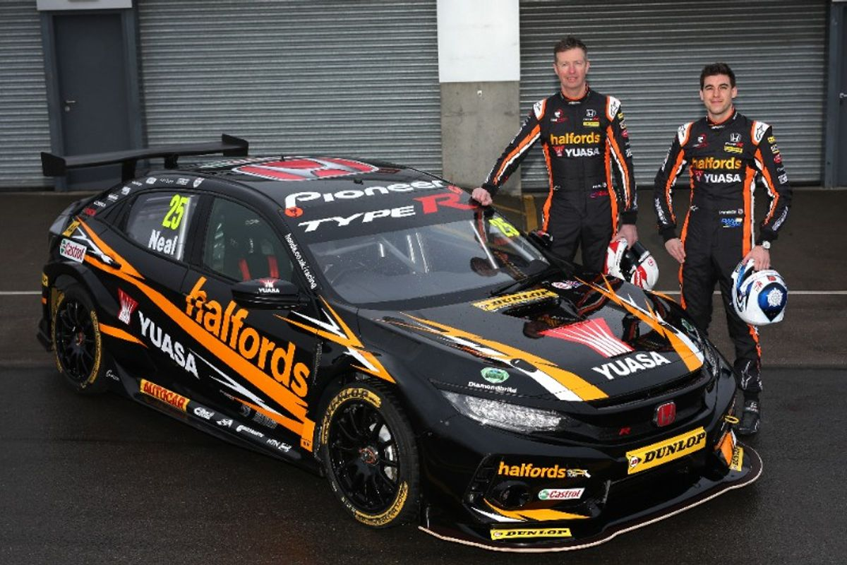 Halfords Yuasa Racing's new-shape Honda Civic Type R to do battle for BTCC crown