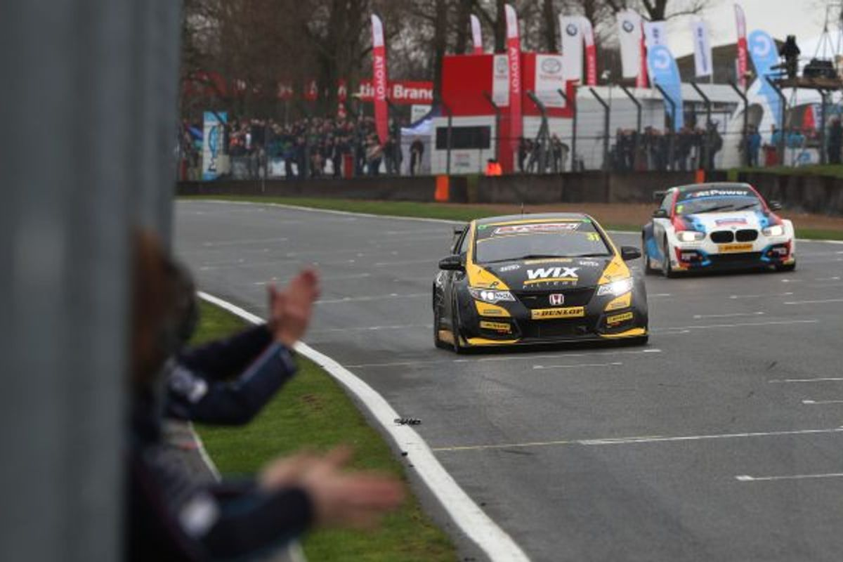 Goff fends off Turkington for Brands BTCC Race 1 win