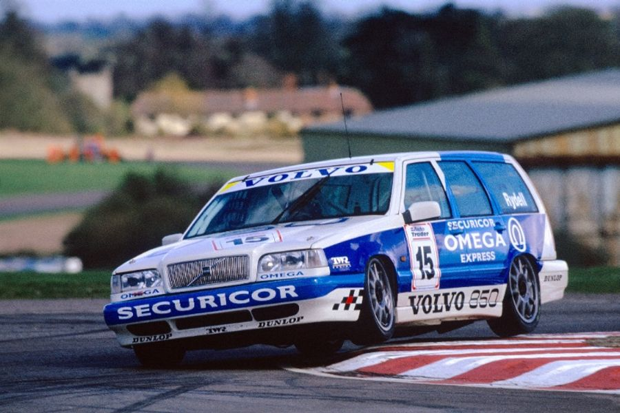 Whacky racer joins BTCC Diamond Jubilee Parade at Silverstone Classic
