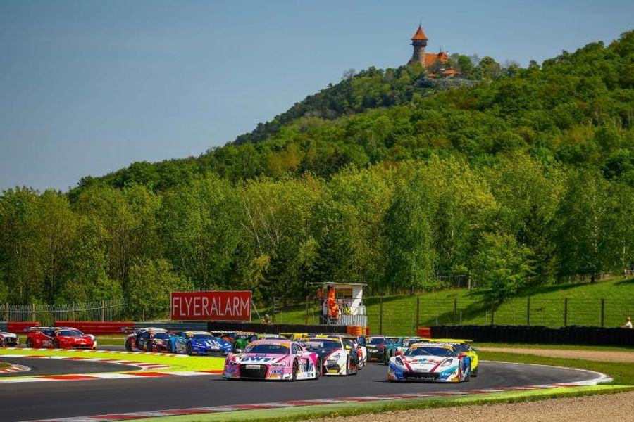 Maiden ADAC GT Masters win for Jeffrey Schmidt and Stefan Mücke