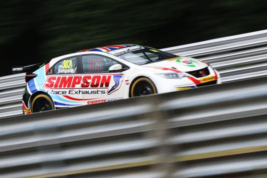 Matt Simpson secures his maiden BTCC pole at Oulton Park