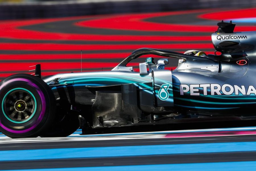 Hamilton sets the pace at Paul Ricard