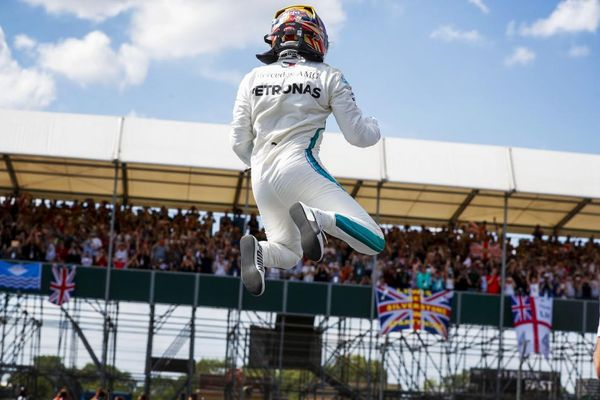 Hamilton edges Vettel and Raikkonen for British Grand Prix pole