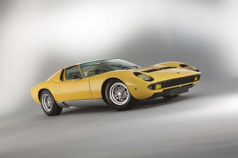 1968 Lamborghini Miura P400 Sold For 834 400 At Artcurial Le Mans