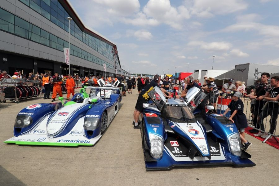 More than 1000+ cars qualify for 21 races as Silverstone Classic blasts off
