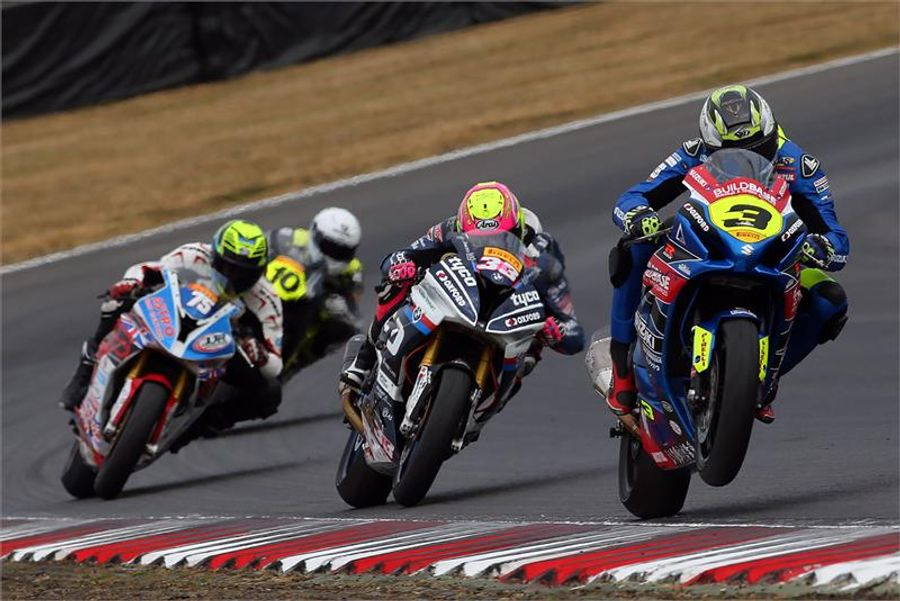 Billy Mcconnell Races Gsx R1000 To Victory In The Second Brands