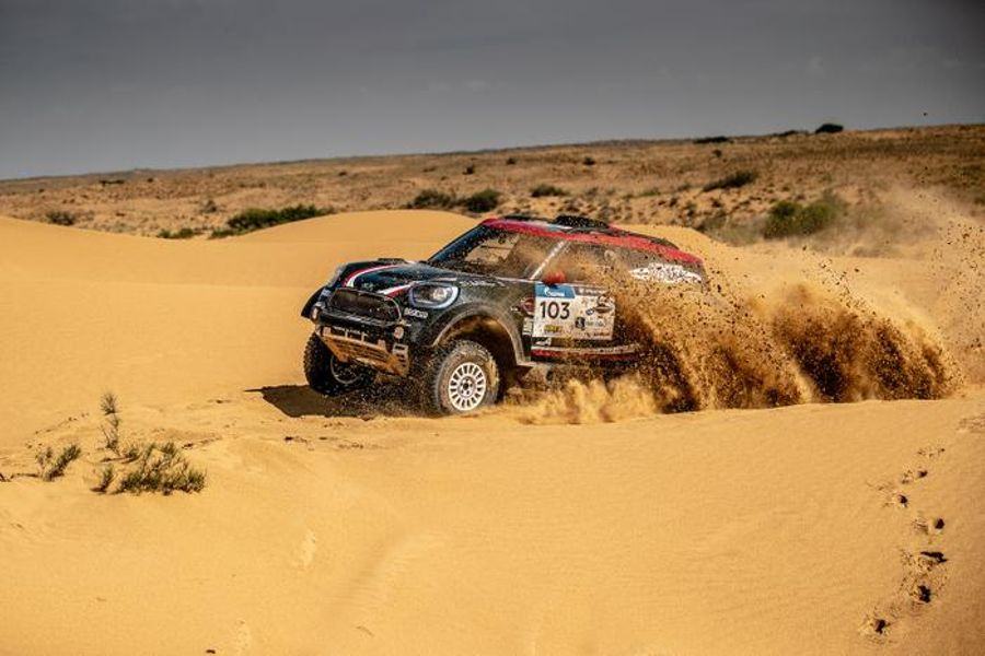 MINI tops the leader board after Stage 4 of Silk Way Rally in Russia