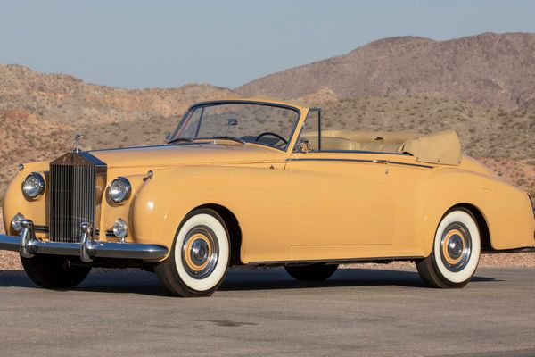 1 of 12 Rolls-Royce Silver Cloud Drophead Coupes produced on offer at Mecum Monterey