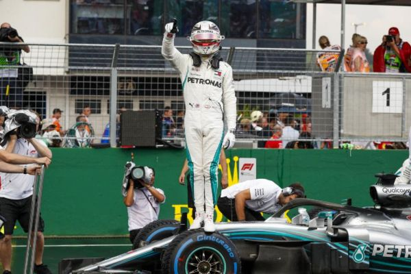 Hamilton takes pole in mixed Hungarian Grand Prix Qualifying