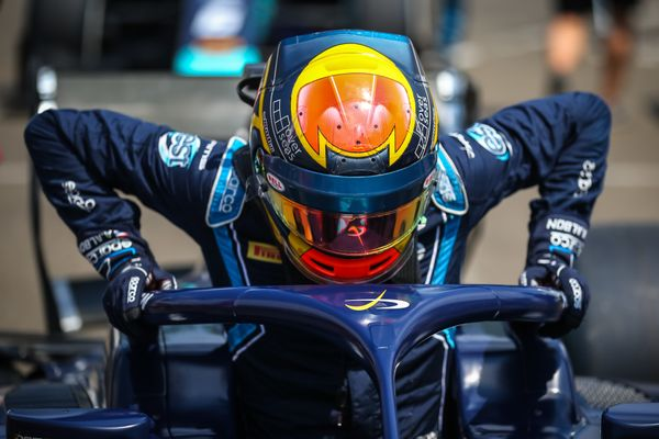 Albon takes lead in final five laps to win F2 Race of Hungary Sprint