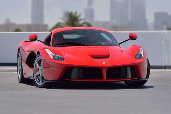 LaFerrari: Choose Your Favorite Colour at Mecum Monterey Auction