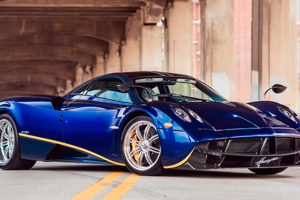 Incredibly beautiful, insanely powerful 2014 Pagani Huayra at Mecum Monterey Auction
