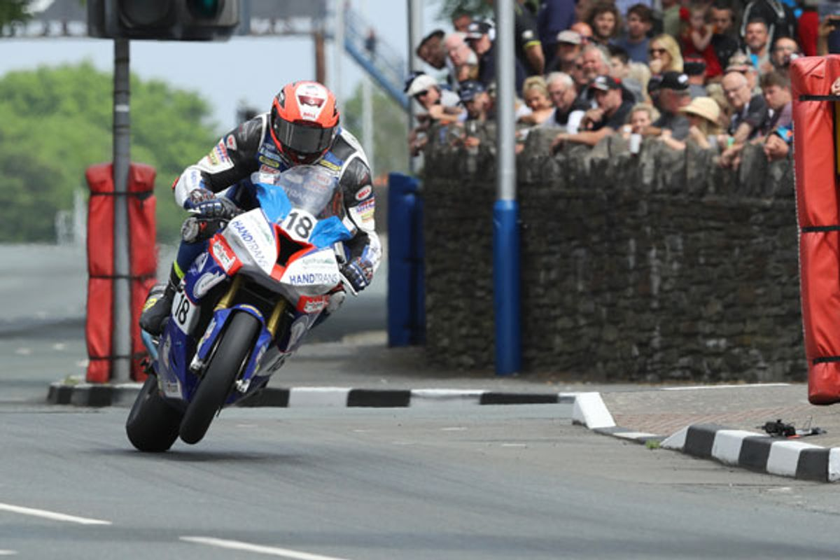 Phil Crowe joins Danny Webb at Team Classic Suzuki for 2018 Classic TT Races