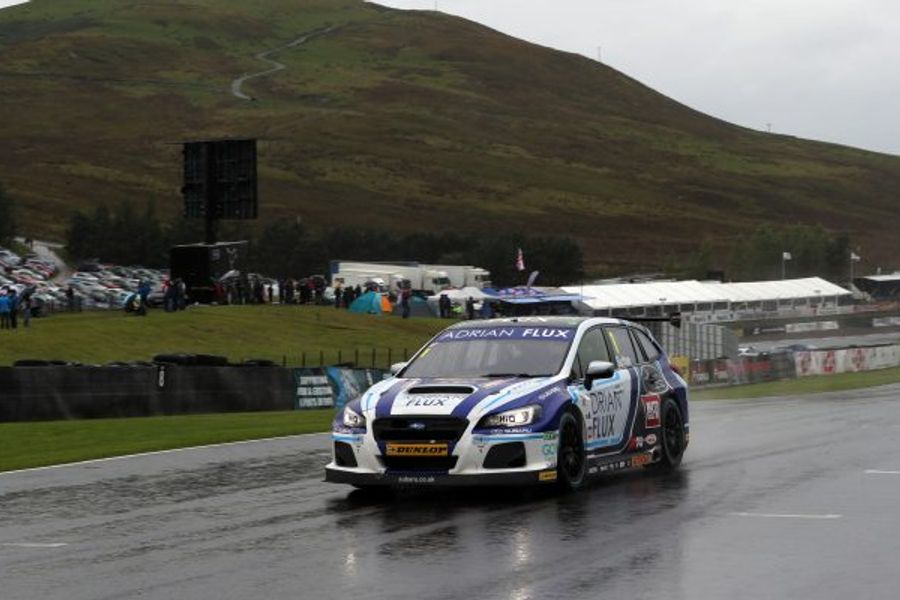 Ash Sutton storms to Knockhill BTCC Race 1 win