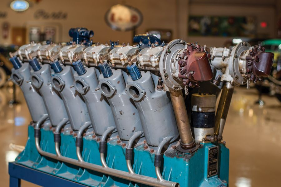 1917 Packard Liberty L-12 Aircraft Engine; Awesome engine to go into a vintage sports special