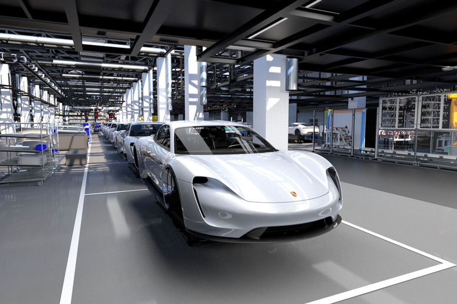 Porsche committed to electric era with 6 billion euro investment in the Taycan