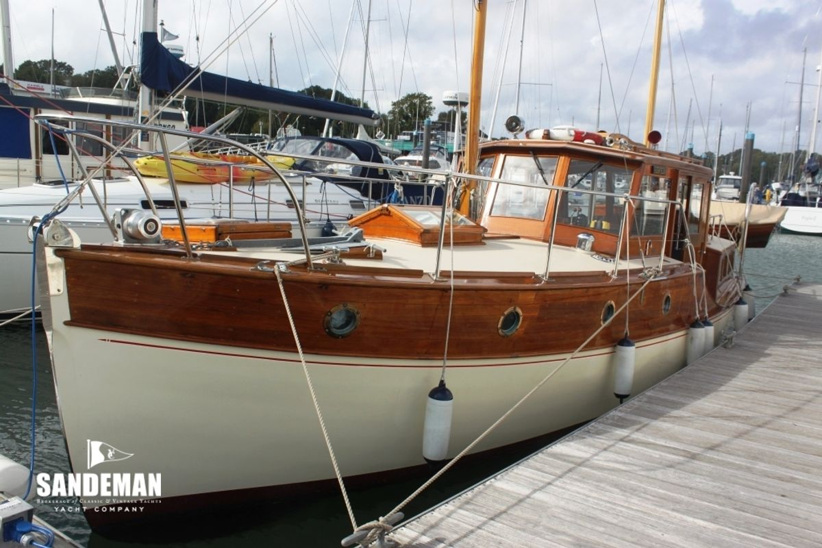 CERVEZA; a remarkably fine surviving example of 1930s British motor yacht