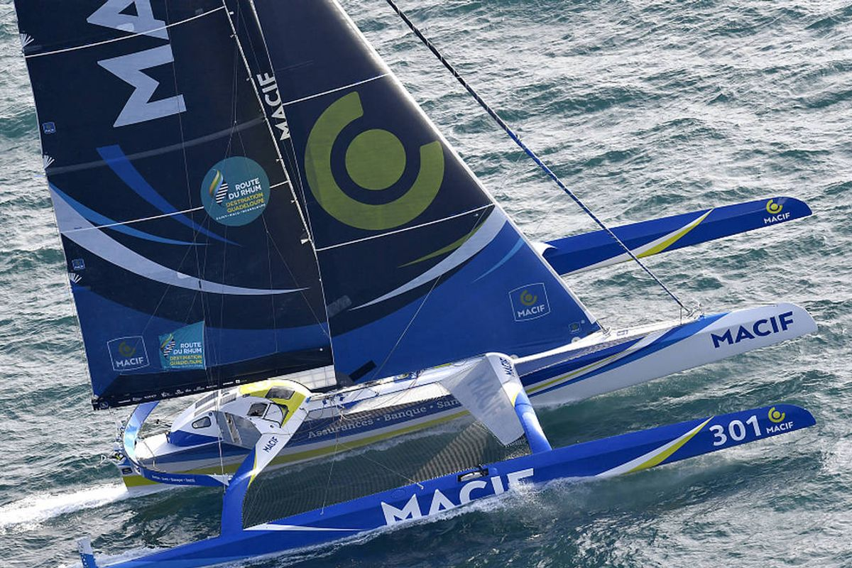 Gabart passes halfway point on Route du Rhum