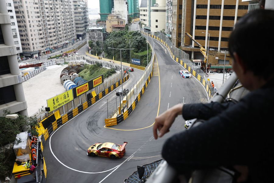 Porsche scores fourth at Macau FIA GT World Cup