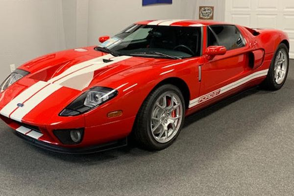 2005 Ford GT consigned to Mecum Sale this Saturday