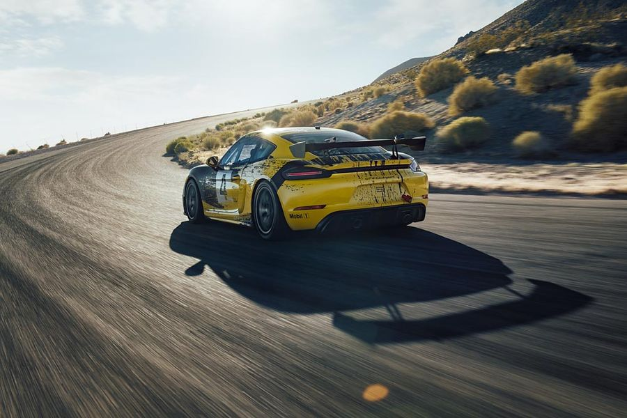 New Porsche 718 Cayman GT4 Clubsport; stronger, faster and more sustainable on the racetrack