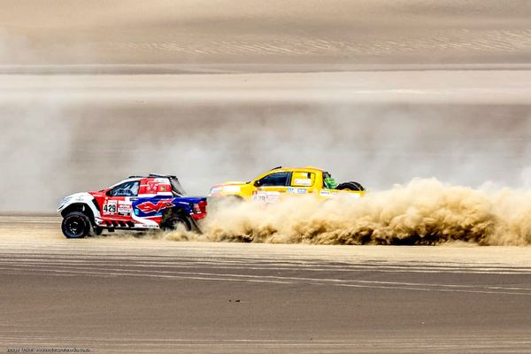 Drama on the Dakar for de Villers, Sainz, Loeb and Despres